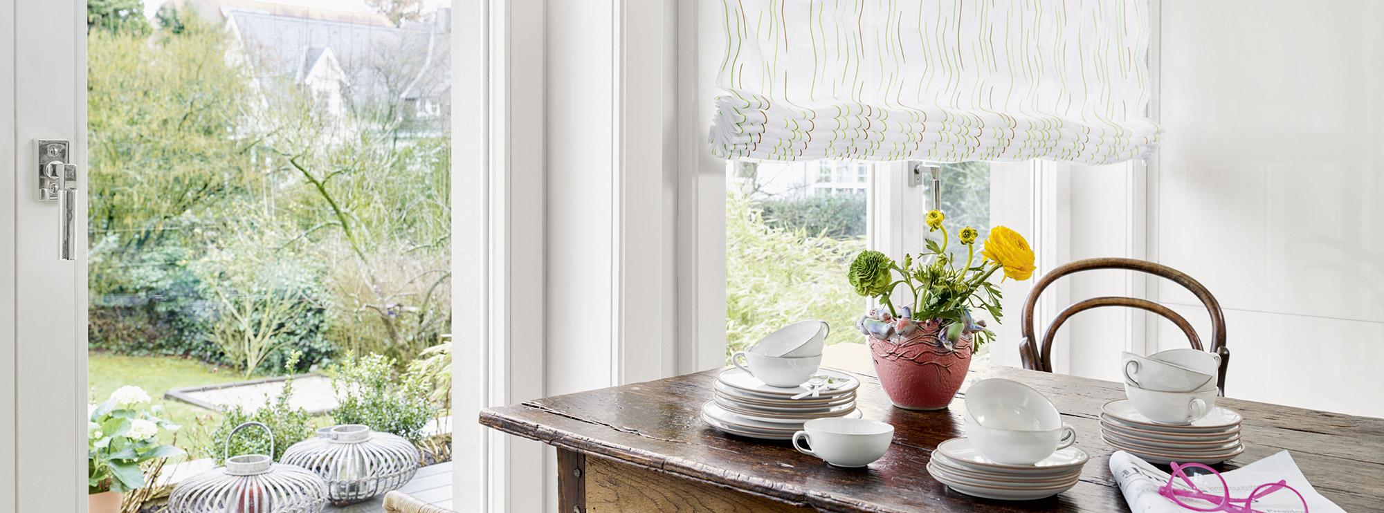 raffrollo-ado-sonnenschutz-vorhang-esszimmer
